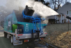curbside trash bin cleaning and sanitizing